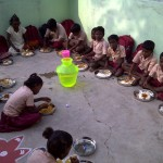 Malar-Trust-children-having-breakfast-before-going-to-school